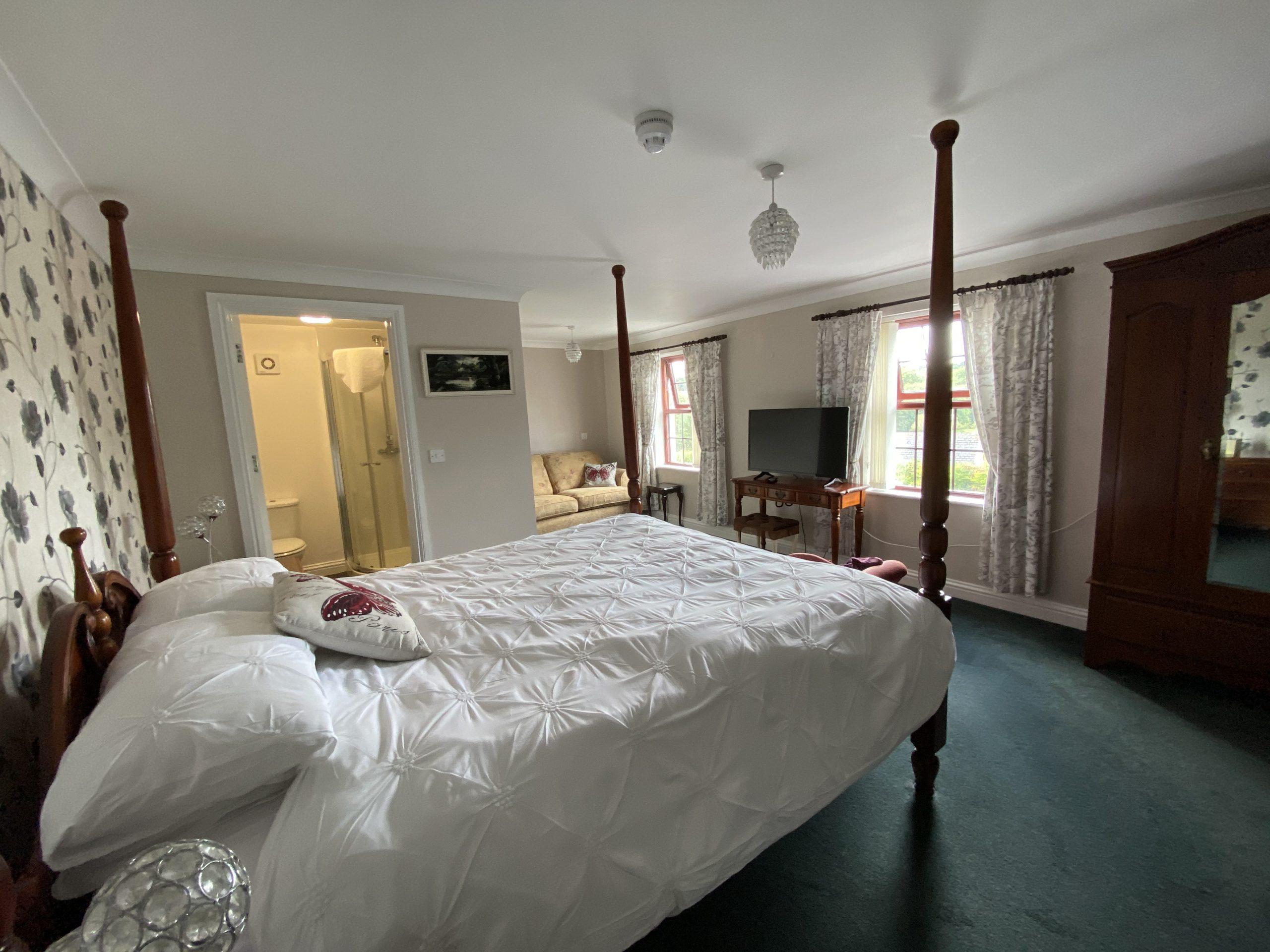 Room 4 suite