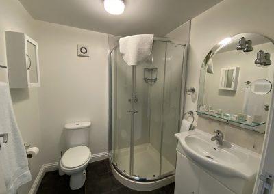 Flambards Hotel Room 4 en suite shower room