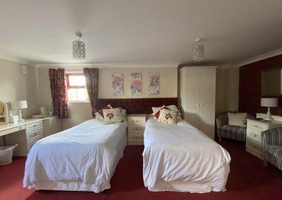 Room 8 beds